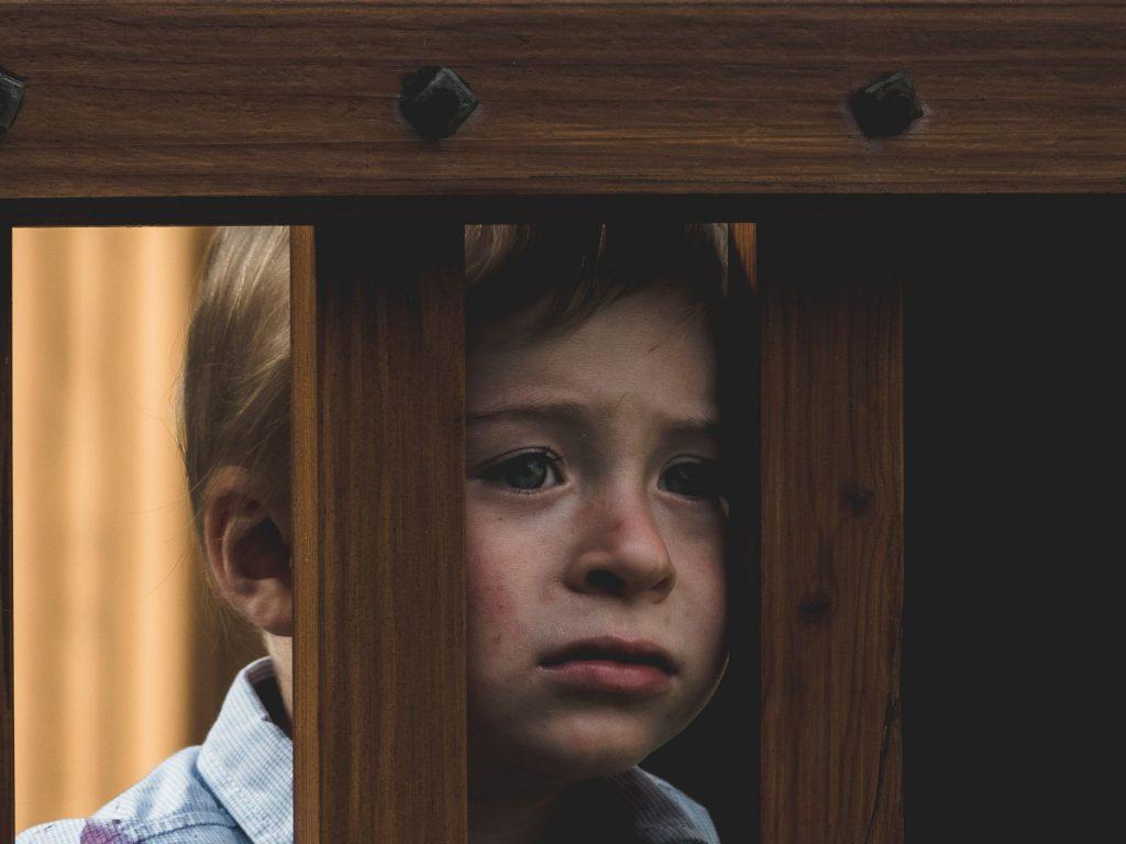 criancas-isoladas-covid-19-risco-depressao